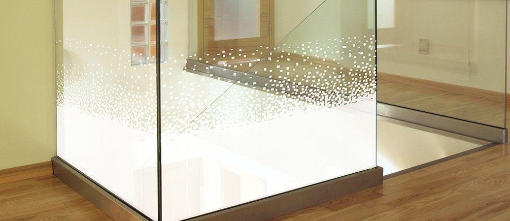 Lámina decorativa con pixelado.
